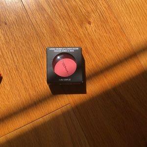 MAC causal color lip and cheeks